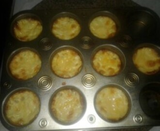 MINI CHICKEN, MUSHROOM AND CHEESE QUICHE