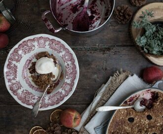 Apple Blackberry Crumble.  Easy as pie. (Actually, easier.)