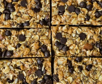 No-Bake Almond Joy Granola Bars