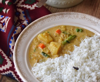 Vegetable & Daal Curry in Coconut Milk