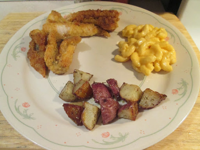Catfish Nuggets w/ Roasted Red Potatoes with Rosemary and Macc and Cheese