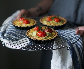 "glutenfree goatcheese quiche with cherry tomatoes - a recipe from the new book ""picknick"""