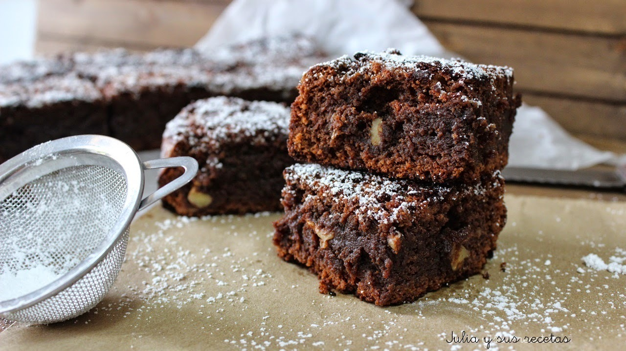 BROWNIE DE CHOCOLATE NEGRO Y NUECES
