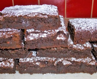 Friday Treat – Easy Brown Sugar and Flour Fudgy Chocolate Brownies Recipe