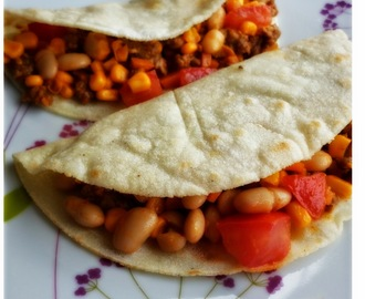 TORTILLAS DI MAIS CON FAGIOLI CANNELLINI ALL'ORIGANO