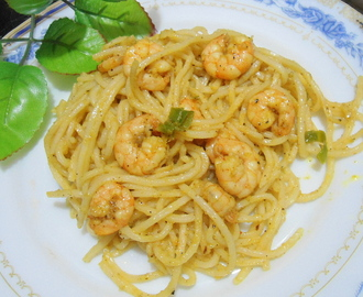 Prawn Noodles | Spicy prawns in Noodles | Easy Dinner Recipe