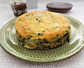 Pastel de espinacas y papa/ Spinach and potato cake