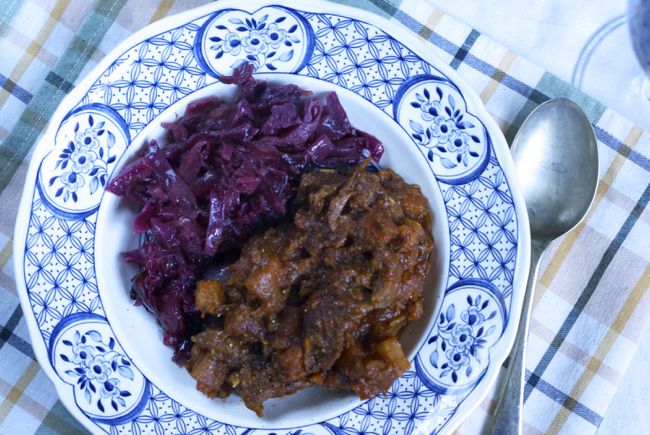 Recipe: Slow cooker beef stew and braised red cabbage