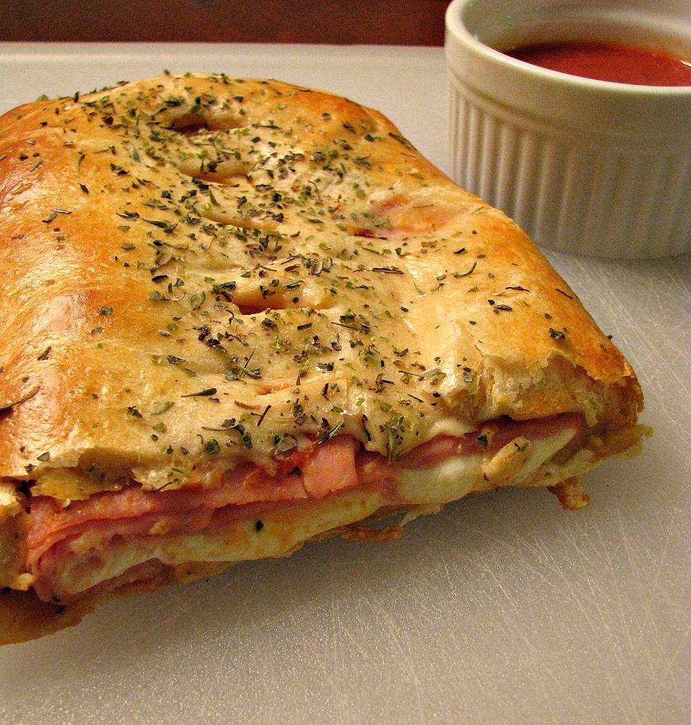 "Ham and Cheese Crescent ""Roll"" Stromboli for #SundaySupper"
