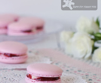 Strawberry Cream Cheese French Macarons