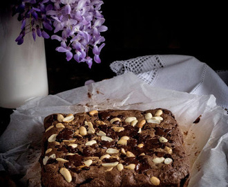 Brownies de Chocolate, Amendoim, Centeio e Passas