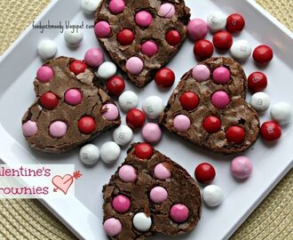 Valentine's Brownies plus Valentine's Cold Hard Cash Giveaway