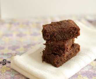 Fudgy Chocolate Chip Sourdough Brownies