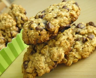 Ciastka owsiane z czekoladowymi chipsami/ Oatmeal cookies with chocolate chips