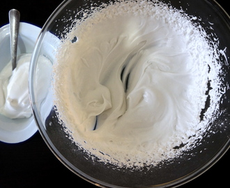 EASY Coconut Whipped Cream – Vegan