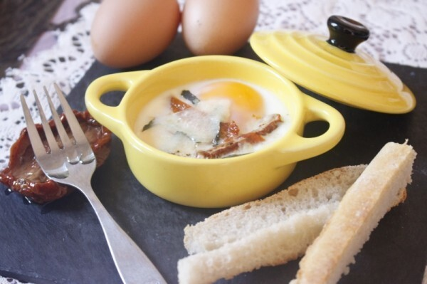 Oeuf cocotte à l'italienne (117Kcal/pers)