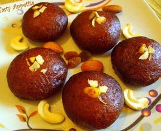 Makkan Peda Recipe (Arcot Makkan Peda) - Easy Video Recipe