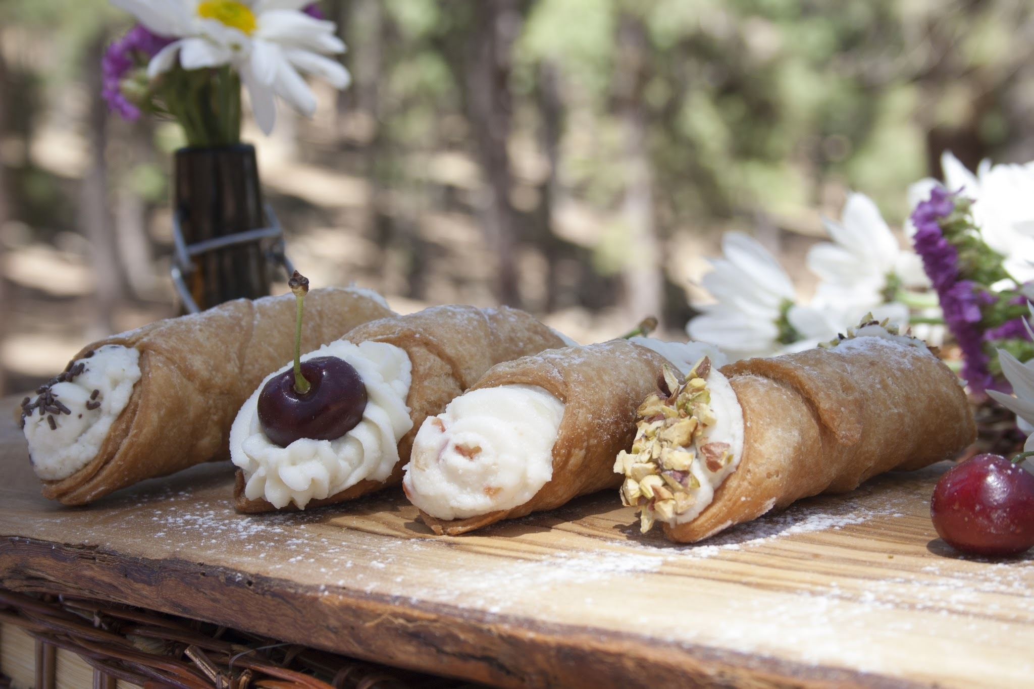 Cannoli Siciliani - Blogirls 2.0 Magazine