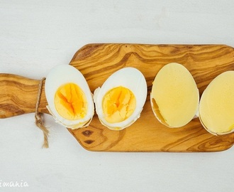 How to make crambled eggs in the shell