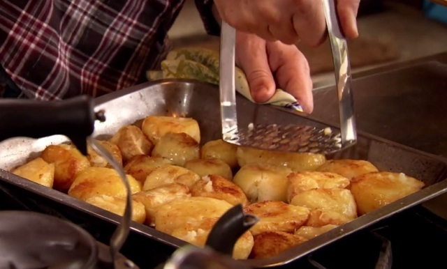 Video: Pass the baked potatoes, please! They are the best I've ever eaten!