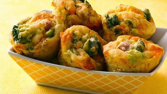 Broccoli, Cheese and Ham Muffins