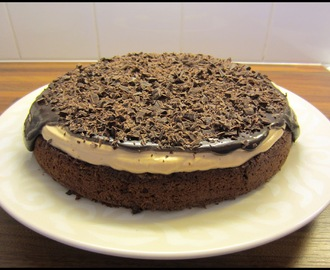 Mutakakku Suklaa Baileys kermalla/ Mud Cake With Cohocolate Baileys Whipped Cream (24cm)