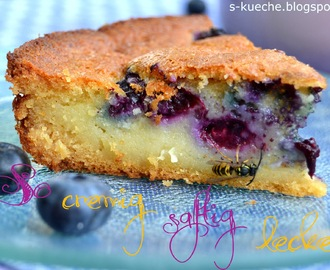Custard filled  Blueberry Cornbread / Maiskuchen mit Blaubeeren