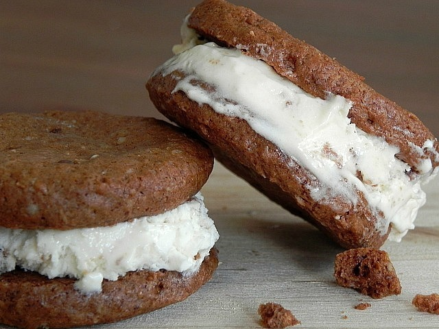Homemade Chocolate Cookie Ice Cream Sandwiches