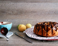 Bundt cake de guayabo y chocolate