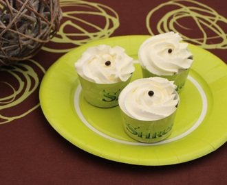 Cupcakes Shrek, muffin chocolat, chantilly vanillée au mascarpone au thermomix ou sans - Sweet Table Shrek