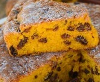 Moist easy pumpkin cake with sultanas, mums favorite recipe