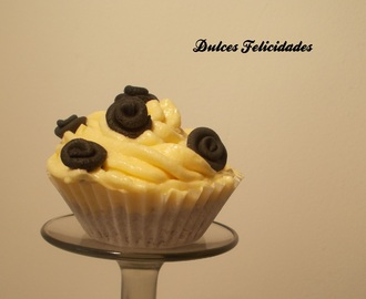 Cupcakes de super chocolate con buttercream de chocolate blanco