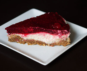 Raspberry No Cheese 'Cheese' Cake { Gluten & Sugar Free }