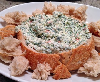 Classic Spinach Dip in Bread Bowl