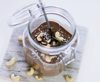 RECIPE: HEALTHY CHOCOLATE CHIA SEED PUDDING