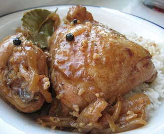 Adobong Manok/ Chicken Adobo (Filipino Vinegar & Garlic Stew)