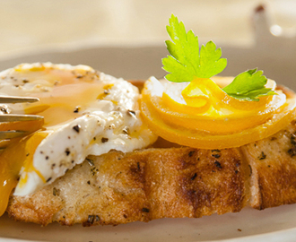 Poached Egg with Lemon Butter Sauce