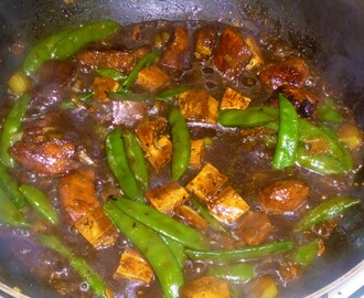 Chicken, Tofu, Fennel and Sugar Snap Pea Stir Fry in a Black Bean Sauce Recipe