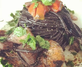 Spaghetti al nero di seppia (cuttlefish and black ink)