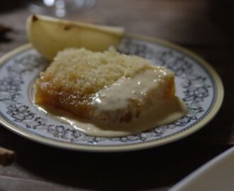 Treacle sponge pudding with spiced pears