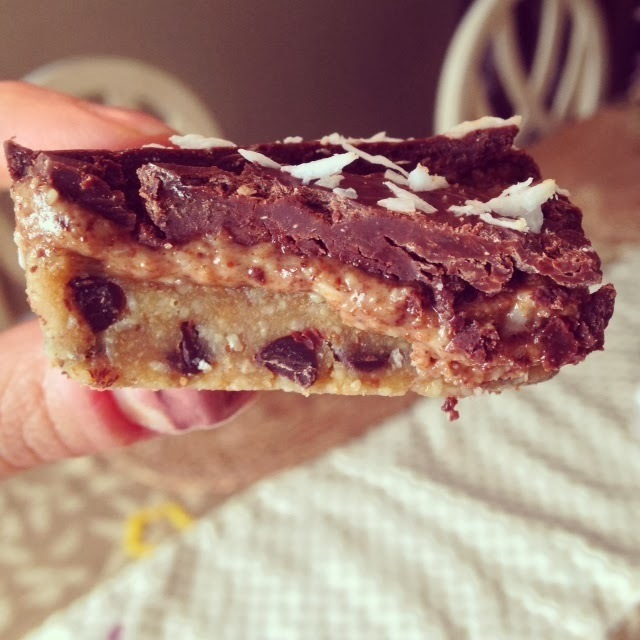 Paleo no bake chocolate chip cookie dough almond butter bars