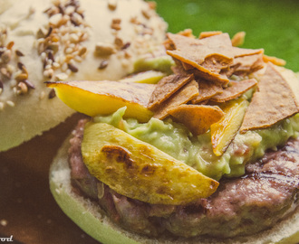 ¡Hamburguesa mexicana tropical!