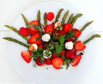 Salade d'asperges, fraises, mozzarella et basilic (Asparagus, strawberries, basil and mozzarella salad)