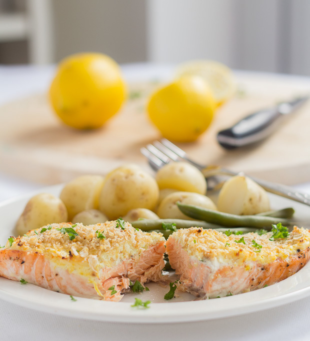 Oven Baked Salmon with Cream Cheese and Oat Bran Crust