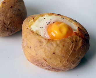 Breakfast stuffed baked potato recipe