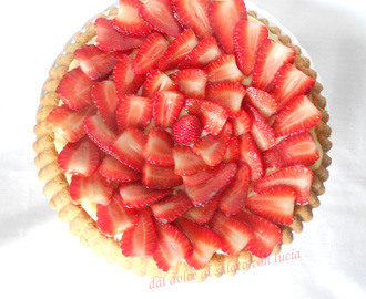 Crostata light con crema pasticcera e fragole