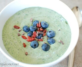 {Clean Eating} Blueberry-Smoothie Bowl