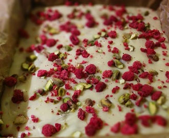 Raspberry and Pistachio White Chocolate Fudge