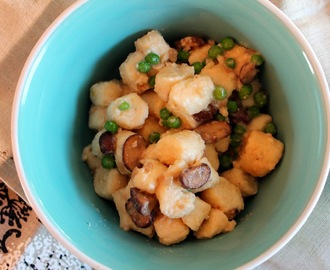 Ricotta Gnocchi with Mushrooms and Peas