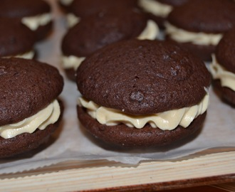 Suklaiset whoopies´it